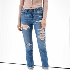 American Eagle Ripped Tomgirl Jeans Sz 6